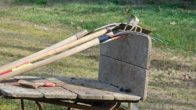 Aufbewahrung von Gartenwerkzeugen
