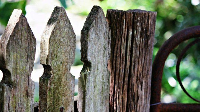 Gartenzaun aus Holz ist schlechter als Gartenzaun aus WPC
